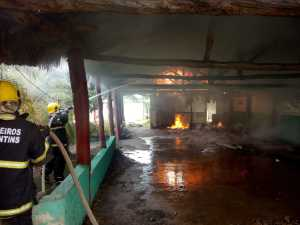 incêndio em prédio vazio