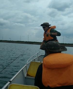 Equipe de Fiscalização do Naturatins confere denúncia da presença de boias no Lago de Palmas