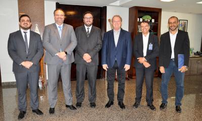 Governador Mauro Carlesse se reúne com Superintendente do Banco do Brasil para viabilizar proposta de empréstimo e firma parceria com o Projeto Pátria Amada Mirim