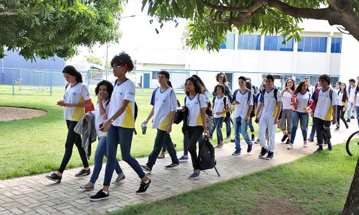 Educação abre período de matrículas com oferta de 180.000 vagas
