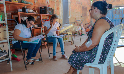 Assistentes Sociais realizam visitas domiciliares ao setor Jardim Taquari a fim de regularizar propriedades de famílias que ainda não possuem o título de propriedade de seu imóvel_400.jpg