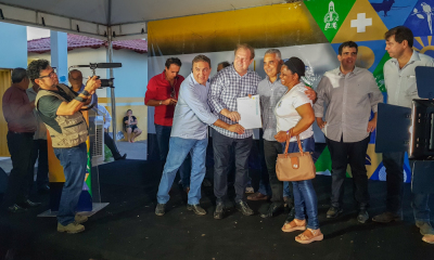 Foram entregues 250 títulos registrados de imóveis para moradores da região norte de Palmas_400.jpg