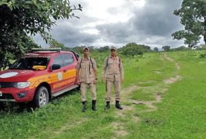 Equipe de bombeiros atuam nas buscas a idoso desaparecido em Arraias