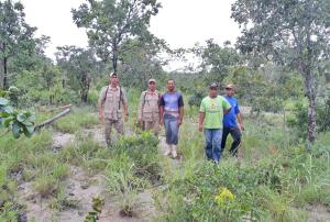 Bombeiros militares e familiares percorrem dezenas de quilômetros a procura de idoso desaparecido em Arraias