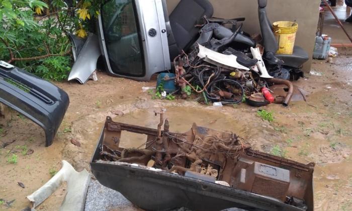 Polícia Civil fecha oficina mecânica que funcionava como desmanche clandestino de carros em Araguaína