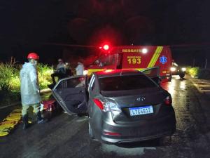 Acidente nas proximidades de Formoso teve casal ferido sendo atendido pelo Corpo de Bombeiros Militar