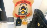 Joias, perfumes e outros objetos furtados são encontrados na residência do suspeito