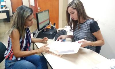 Contadora da Procuradoria-Geral do Estado protocola relatório de prestação de contas na Controladoria