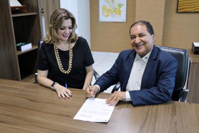 Foto 3 - Na ocasião foi assinado um Termo de Cooperação Técnica entre a Setas e a Agência de Fomento (Leandro Pinheiro)_400.jpg