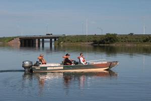 A operação teve como objetivo de realizar o mapeamento de poluição hídrica em áreas do reservatório