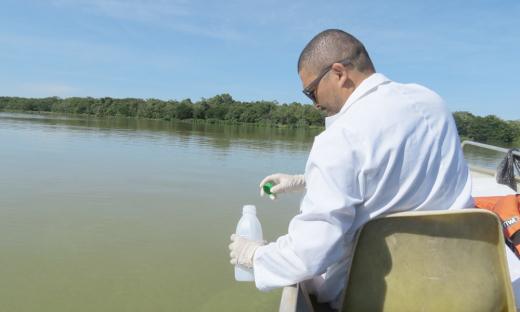 A coleta da água teve a parceria da Agência Tocantinense de Saneamento