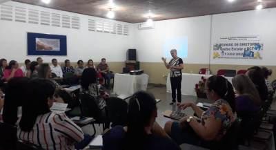 Formação sobre BNCC e DCT com coordenadores pedagógicos e diretores escolares
