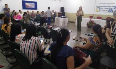 Formação para coordenadores pedagógicos e diretores escolares