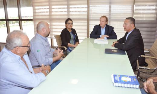 O governador Mauro Carlesse falou das vantagens em investir no Estado em virtude da posição geográfica, da logística de transporte, terras férteis e potencial hídrico, aliados aos incentivos oferecidos pelo Governo