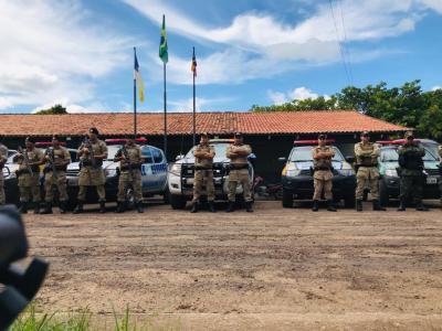 Equipes postadas no pátio do Batalhão_400.jpg