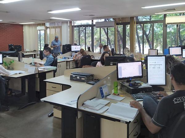 Técnicos da CGE analisam os dados de diversas áreas da gestão pública