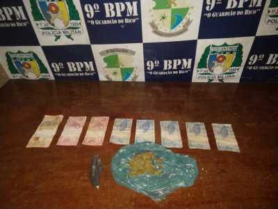 Droga e dinheiro apreendido pela PM em Augustinópolis _400.jpg