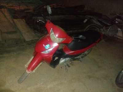 Motocicleta apreendida em Araguatins_400.jpg