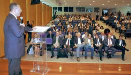 O secretário Tom Lyra representou o governador Mauro Carlesse na cerimônia de assinatura do termo de cooperação entre a Fecomércio/TO e o Banco de Brasília