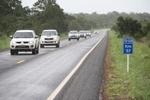 O uso dos faróis  durante o dia é obrigatório segundo a legislação de trânsito