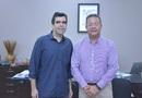 Secretário Tom Lyra com o deputado Ricardo Ayres, em reunião no gabinete