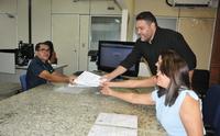 Equipe da Controladoria protocola as contas dos ordenadores de despesas do Executivo no TCE