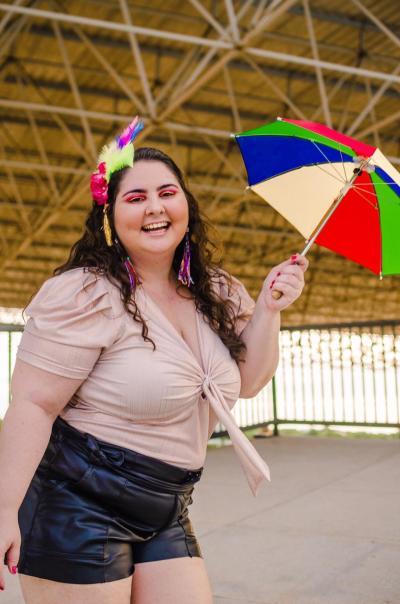 Influenciadora digital Carolinne Macedo