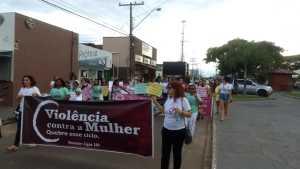 A caminhada ocorreu nessa segunda-feira, 9, no centro da cidade, encerrando na praça Derocy Moraes