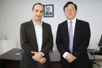 Davi Goveia Junior recebe Kenji Kawano na sede da ATS em Palmas
