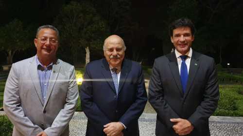 Tom Lyra com embaixador do Brasil em Portugal, Carlos Alberto Simas Magalhães e o ministro do Turismo do Brasil, Marcelo Álvares