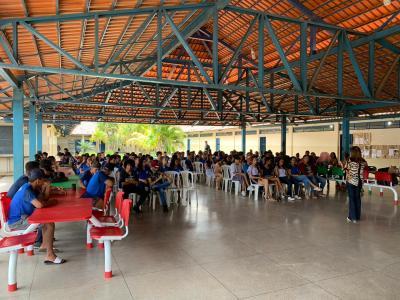 Os estudantes participaram de palestra sobre o enfrentamento de violência domestica