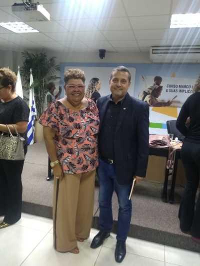 Professor Alan BITAR, Coordenador do Fórum Estadual de Educação (FEE/TO) com a professora Doutora  Dinair Leal - Universidade  Federal do Pará (UFPA).