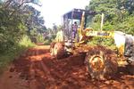 Os serviços são revestimento primário, nivelamento da via, patrolamento, cascalhamento e obras de drenagem.
