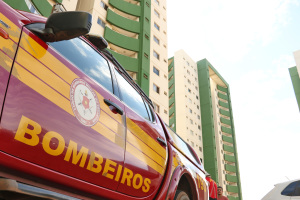 Sem vítimas, princípio de incêndio ocorreu no 9º andar do prédio