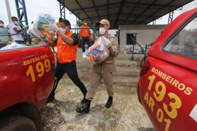 186 cestas foram entregues em Araguanã e outras 28 em Carmolândia