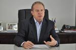 O governador Mauro Carlesse determinou, nesta terça-feira, 24, que as concessionárias de água e energia do Tocantins suspendam os cortes de seus serviços à população