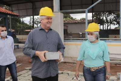 Na ocasião, a equipe da Seduc e o governador Mauro Carlesse visitaram as obras de ampliação do Colégio Estadual Anita Cassimiro Moreno