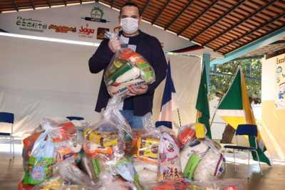 O diretor da Escola Estadual Doutor Joaquim Pereira da Costa, Adelson Bezerra, destacou que os kits garantem a segurança alimentar dos estudantes
