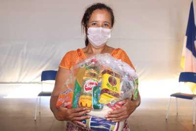 Para a auxiliar de serviços gerais, Ilda Moreira de Carvalho, os kits são um importante auxílio