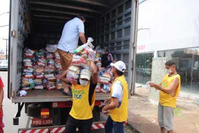 Iniciou, nesta terça-feira, a entrega de kits de alimentos e produtos de higiene pessoal na DRE de Araguaína
