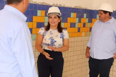 Em Araguaína, Adriana Aguiar também acompanhou o andamento das obras da Escola Estadual Padrão de Tempo Integral, do Setor Maracanã