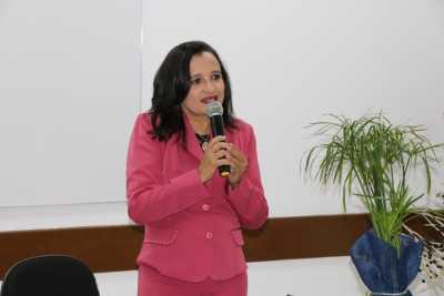 A técnica de gestão do Bolsa Família no Tocantins, Régina Mercês Aires, ressalta a importância de só baixar o aplicativo se preencher os requisitos do benefício.