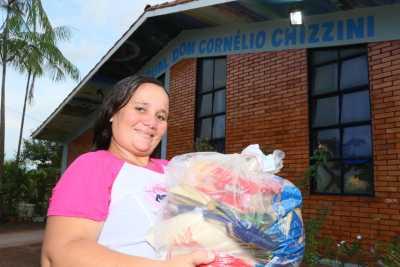 A trabalhadora rural e dona de casa, Maria Deuza de Sousa Mendonça, destacou a importância dos kits para os estudantes da sua comunidade
