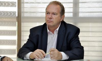 Após reunião do Comitê de Crise para Prevenção da Covid-19, o governador Mauro Carlesse assinou o Decreto nº 6.086, que será publicado na edição do Diário Oficial do Estado (DOE) desta quarta, 22. Crédito: Governo do Tocantins