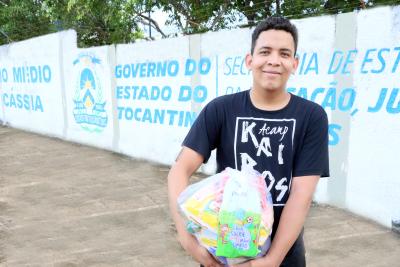 O estudante Paulo Ricardo Rodrigues Silva destacou a importância dos kits na sua rotina durante a pandemia