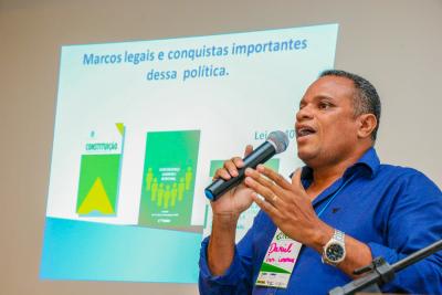 Foto 2 - Presidente do Consea, Daniel Barbosa (Carlesssandro Souza)_400.jpg