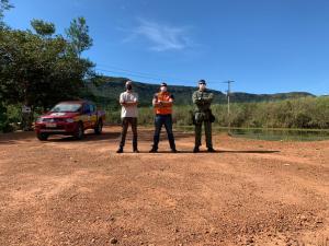 Major Soares (C), com apoio do Ciopaer executa ação em busca de mananciais nas proximidades da Serra do Lajeado