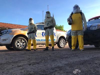 Policiais militares usando os equipamentos e o moto adquirido pela Unidade .jpeg