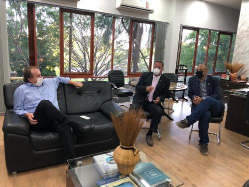 Governador Mauro Carlesse, verifica ações da pasta apresentadas pelo secretário Tom Lyra e pelo Superintendente Marcio Ferreira