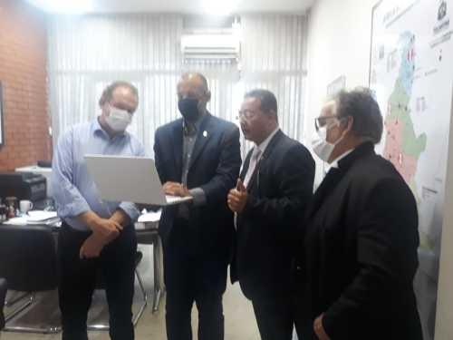 Governador Mauro Carlesse conhece o projeto do boletim informativo SicsNews